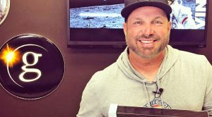 Garth Brooks Releasing Massive Vinyl Collection – And There's More