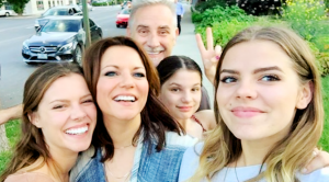 24 Photos Of Martina McBride's 3 Daughters – Delaney, Emma, & Ava
