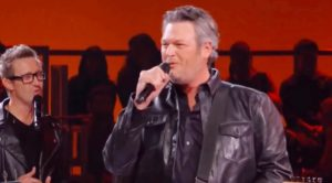 Blake Shelton's Silky-Smooth 'Suspicious Minds' Captivates Elvis Tribute
