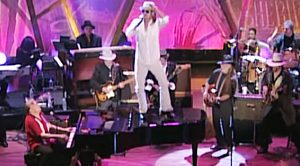 "Jerry Lee Lewis, Kid Rock, Willie Nelson, Keith Richards, & Merle Haggard Perform  ""Whole Lotta Shakin' Goin' On"""