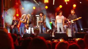 Brooks & Dunn Updates 'Boot Scootin' Boogie' With Midland