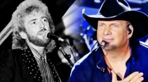 Exactly 30 Years After Losing Keith Whitley, Garth Brooks Sang 'Don't Close Your Eyes'