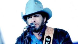 Merle Haggard Honors Those Who Sacrificed Their Lives In 'Soldier's Last Letter'