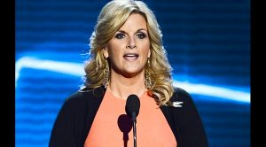 Trisha Yearwood Tells The Story About Saving A Man Trapped In Plane's Cargo Hold
