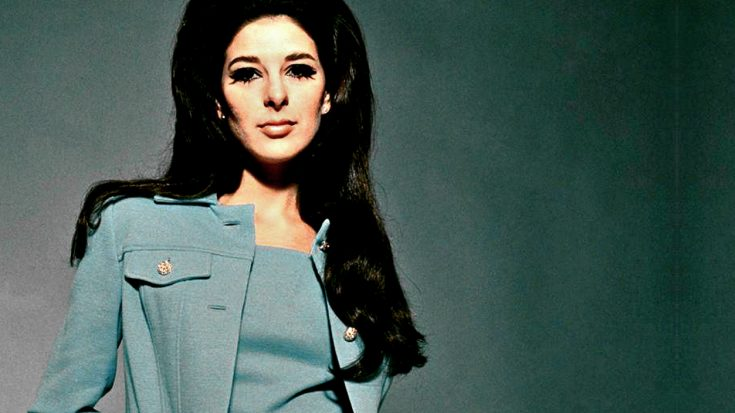 Bobbie Gentry Came Out Of Hiding For 2014 Event, Photo Shows | Classic Country Music Videos