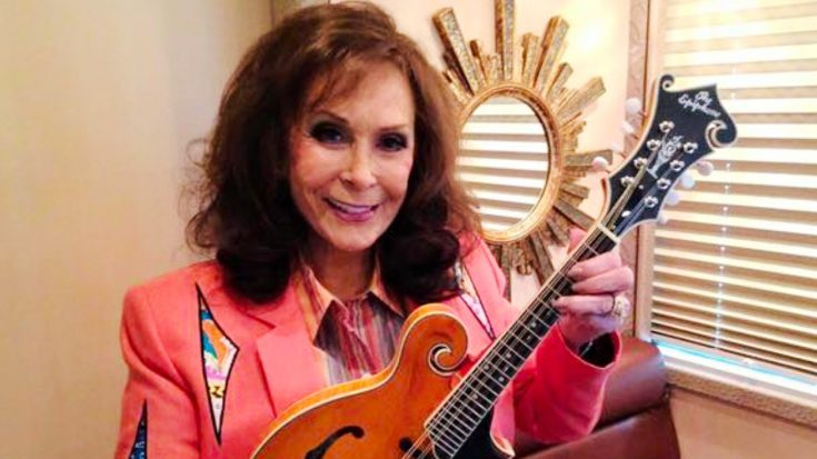 Loretta Lynn Makes Rare Public Appearance – See The Photo