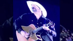 Garth Brooks Needs Audience's Help To Finish Performance Of 'Mom'