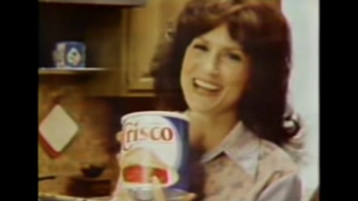 Loretta Lynn Shares Baking Tips In Crisco Commercials From The '80s | Classic Country Music Videos