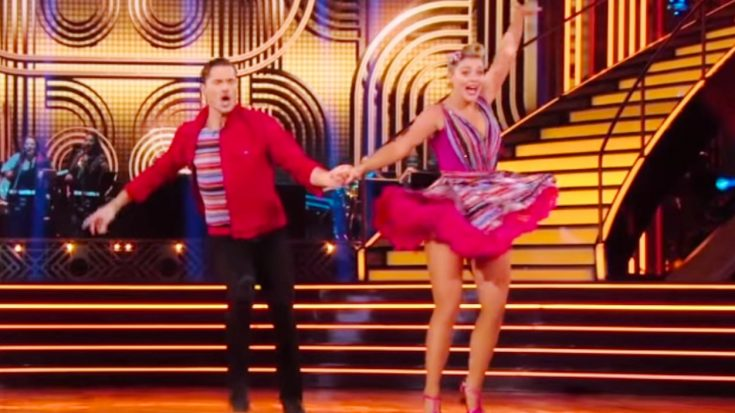 Lauren Alaina Powers Through Injury & Dances To Elvis' 'Hound Dog' On DWTS | Classic Country Music Videos