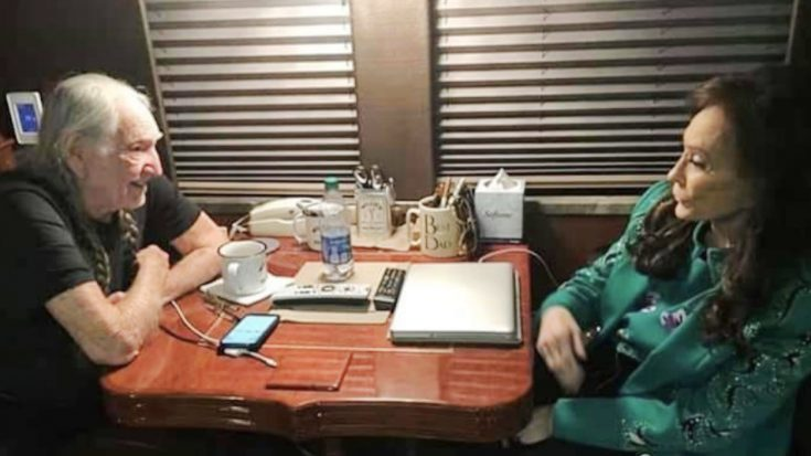 Loretta Lynn & Willie Nelson Spend Time Together Post CMA Awards | Classic Country Music Videos