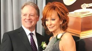 Reba McEntire Says She & Boyfriend Skeeter Lasuzzo Split In May – After 2 Years Of Dating