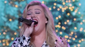 """Jingle Bell Rock"" Gets Update From Kelly Clarkson For Latest Kellyoke"