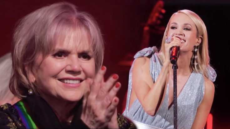 """Linda Ronstadt Smiles As Carrie Underwood Performs """"Blue Bayou"""" & """"When Will I Be Loved"""""""