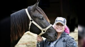 Tanya Tucker Gifted 'Dream Horse' For Christmas