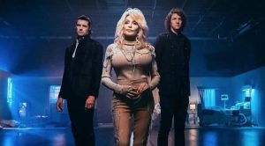 "Dolly Parton, For King + Country Win Grammy For ""God Only Knows"""