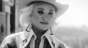 "Tanya Tucker Mourns Loss Of ""Sweet Friend"" Lisa Nygard"