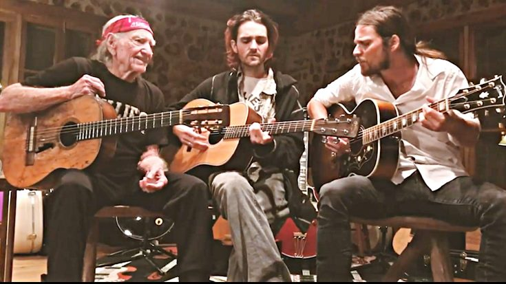 Quarantined Willie Nelson Performs With Sons For Virtual Concert | Classic Country Music Videos