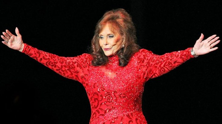Loretta Lynn Opens Tennessee Ranch To Those Displaced By Tornado   Classic Country Music Videos
