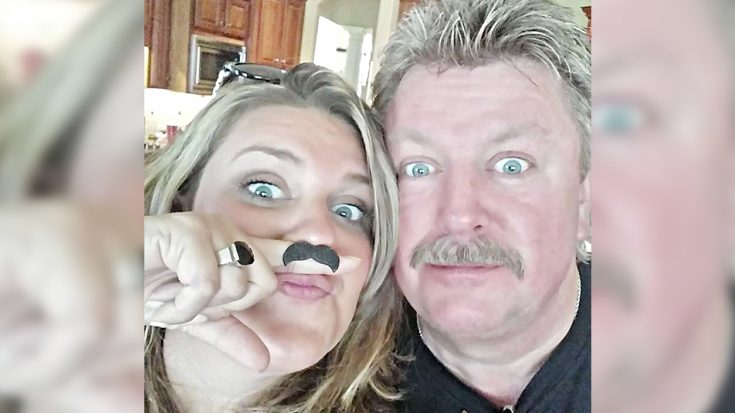 "Joe Diffie's Daughter Shares Photo With Dad, Says She Can ""Hear Him Saying My Name"" 