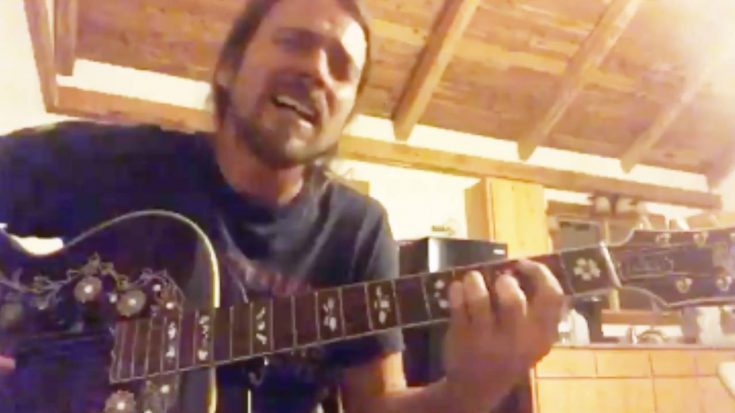 """Lukas Nelson Sings """"Music To My Eyes,"""" A Song He Wrote For """"A Star Is Born"""" Movie"""