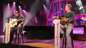"Luke Combs & Craig Morgan Sing John Conlee's ""Rose Colored Glasses"" At Opry"