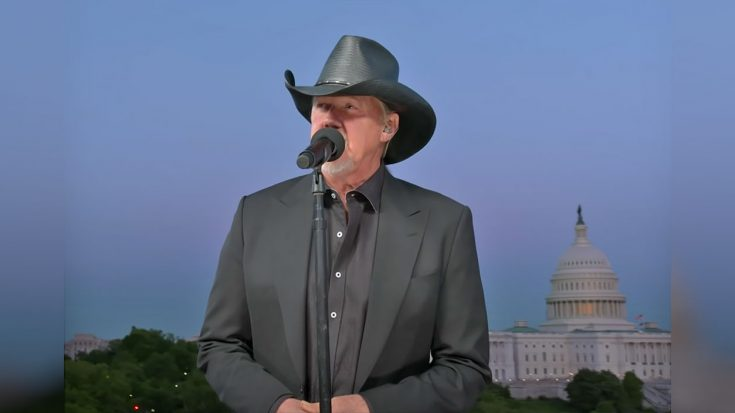 """Trace Adkins Honored Troops On Memorial Day With His Song """"Still A Soldier"""" 