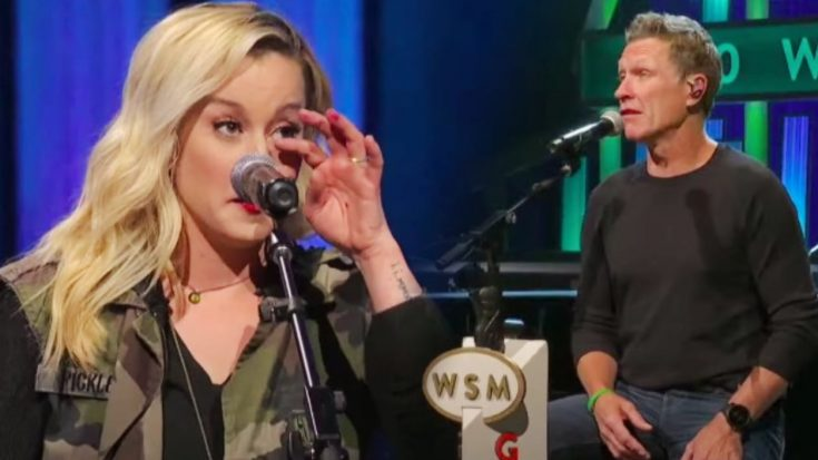 """Craig Morgan Makes Kellie Pickler Cry While Singing """"The Father, My Son, And The Holy Ghost"""""""