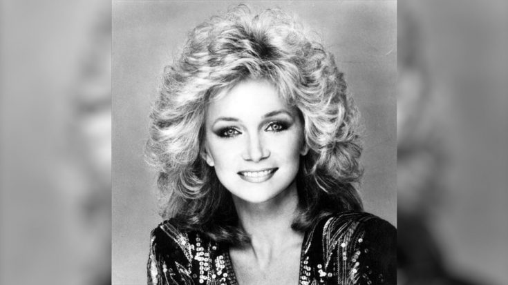 Barbara Mandrell Tells Story About Sharing A Bed With Patsy Cline While On Tour | Classic Country Music Videos