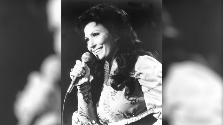 Loretta Lynn Speaks Out During These Troubling Times | Classic Country Music Videos