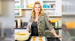 Trisha Yearwood Is Writing A 4th Cookbook, Hopes For 2021 Release