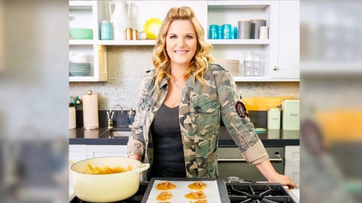 Trisha Yearwood Is Writing A 4th Cookbook, Hopes For 2021 Release | Classic Country Music Videos