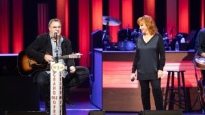 Vince Gill And Reba McEntire Reunite To Perform 'The Heart Won't Lie' On The Opry
