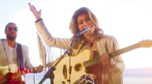 "Shania Twain Delivers New, Acoustic Performance Of 1998 Single ""That Don't Impress Me Much"""