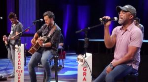 "Luke Bryan & Darius Rucker Cover Brooks & Dunn's ""Neon Moon"" On Opry Stage"