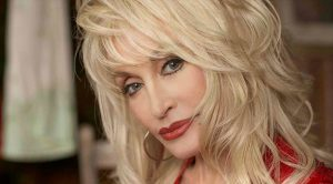 """Dolly Parton Gets Her First No.1 On Christian Charts With """"There Was Jesus"""""""