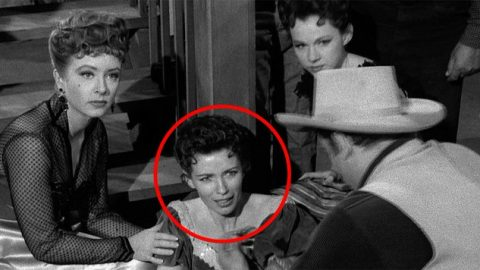 """Remember When June Carter Played A Saloon Girl In """"Gunsmoke""""? 