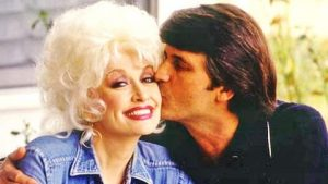 """Dolly Parton Says """"A Lot Of People"""" Think Her Husband Doesn't Exist"""