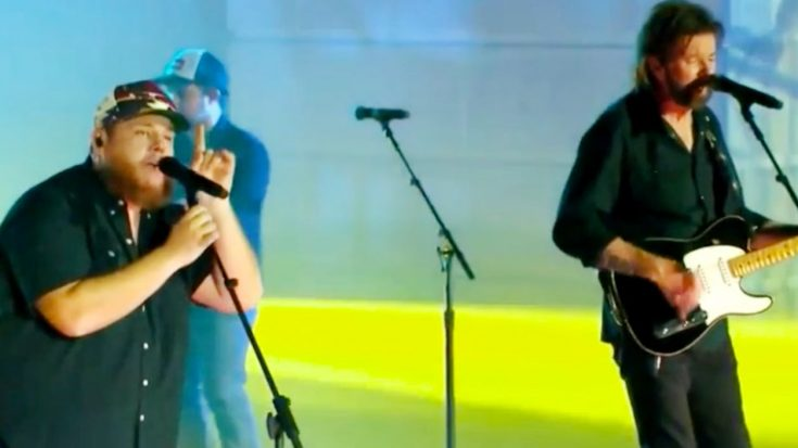 "Luke Combs & Brooks & Dunn Team Up At 2020 CMT Music Awards To Perform ""1, 2 Many"""