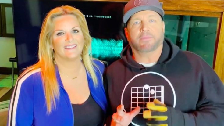"""Garth Brooks Injures Hand, Reschedules """"Fun"""" Album Preview 