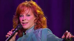 "Reba Brings ""Fancy"" Performance To Fundraising Festival At Ryman"
