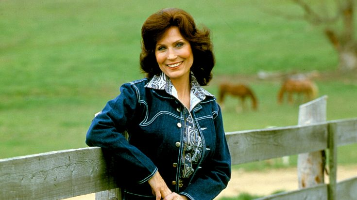 The True Story Of Loretta Lynn & Her $65 Million Fortune   Classic Country Music Videos