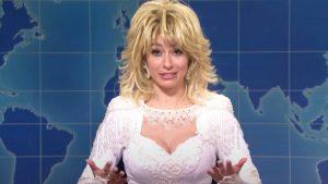 SNL Cast Member Sings Christmas Songs As Dolly Parton