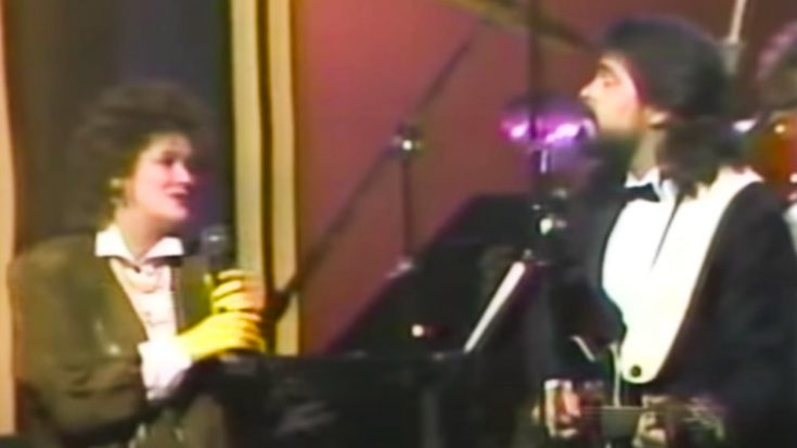 """Throwback: K.T. Oslin Sings """"Face To Face"""" With Alabama In The 80s"""