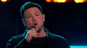 "Team Blake's Ian Flanigan Wins ""Voice"" Instant Save By Singing Travis Tritt's ""Anymore"""
