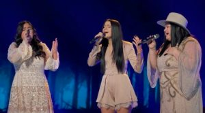 "Mother-Daughter Trio Worth The Wait Sings The Judds' ""Love Is Alive"" On ""The Voice"""