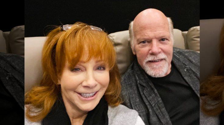 Reba McEntire & Boyfriend Rent Theater For First Movie Date | Classic Country Music Videos