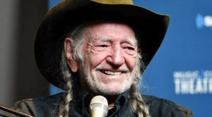 87-Year-Old Willie Nelson Gets COVID-19 Vaccine