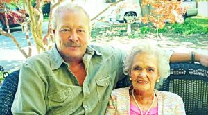 Alan Jackson Sings About Mother's Death In Heartbreaking New Song