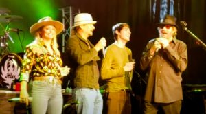 """Hank Jr., Kid Rock, & Miranda Lambert Team Up To Sing """"Family Tradition"""""""