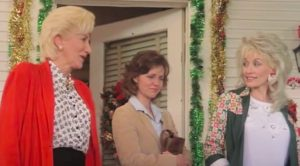 """Sally Field Reacts To Death Of """"Steel Magnolias"""" Costar Olympia Dukakis"""